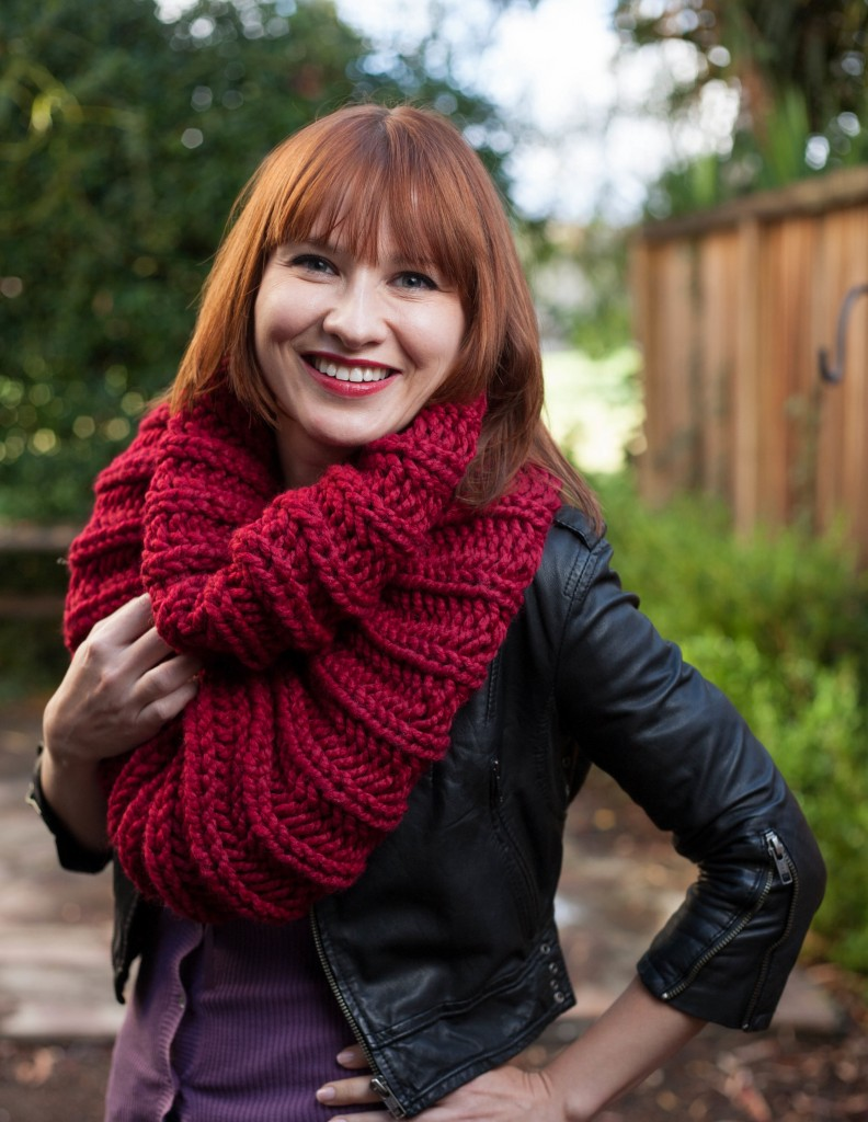 "Denise's ""Procragratification Infinity Cowl"" pattern"